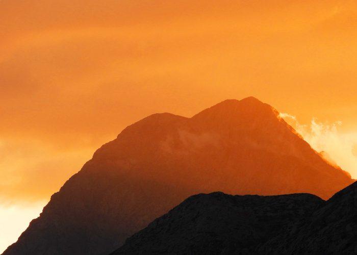 Atardece en la montaña palentina. Pico del Espigüete.