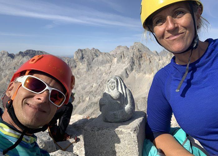 Cima del pico Urriellu. Ascensión por la cara sur, también llamada vía de los Martínez.